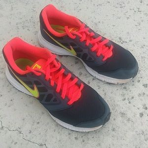 Nike women's downshifter 6 running shoes size 8.5